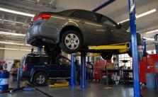 Lakukan Servis Rutin Untuk Menjaga Performa Mobil