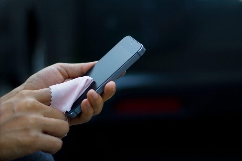 Membersihkan Gadget Secara Rutin Mampu Memperpanjang Umur Gadget